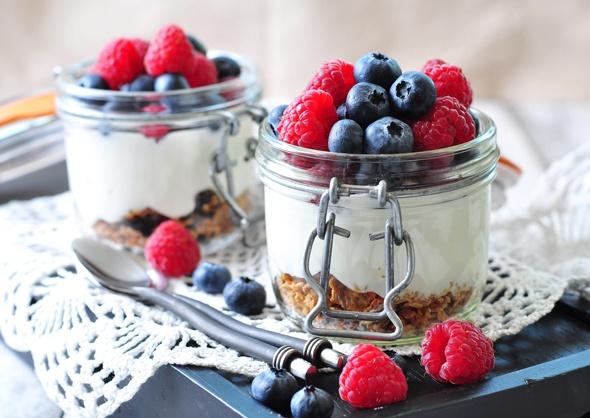 7 BENEFICII impresionante ale consumului de iaurt